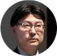 小林 佳文氏