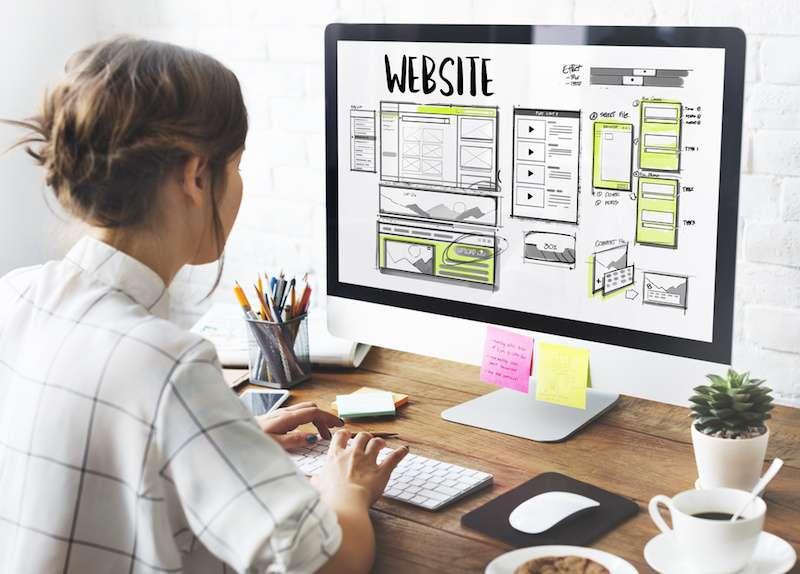 Webサイト制作ってどうやるの?依頼からできあがるまでの流れ